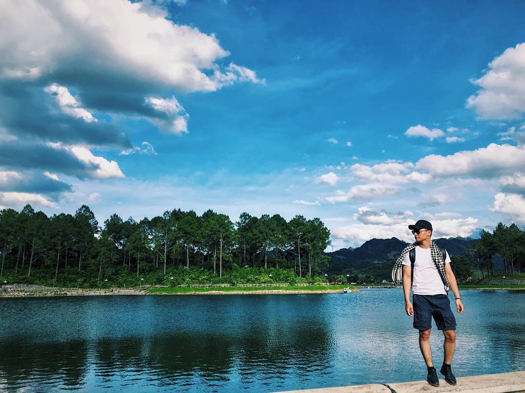 Dạo chơi Hồ rừng thông Bản Áng